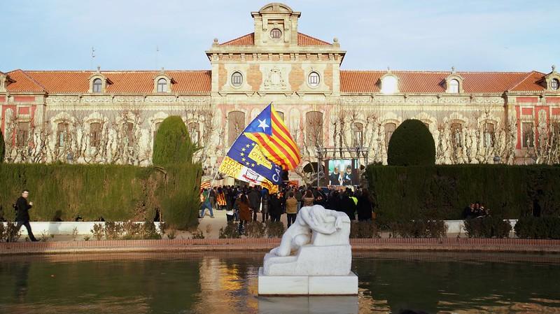 El Parlament de Catalunya anuncia d'una manera solemne la Declaració d'inici del procés de creació de l'Estat català en forma de república